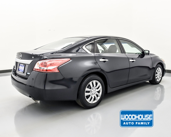 Pre-Owned 2013 Nissan Altima S