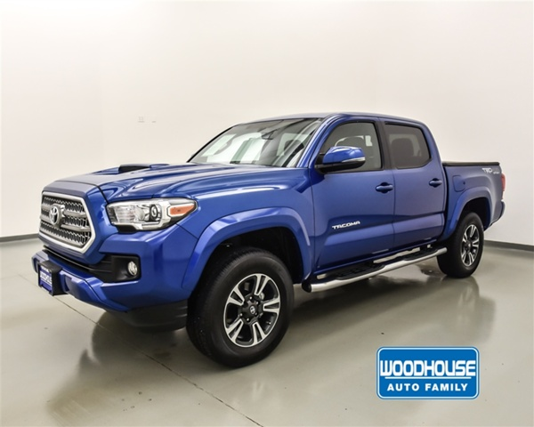 Pre Owned 2017 Toyota Tacoma Trd Sport 4wd