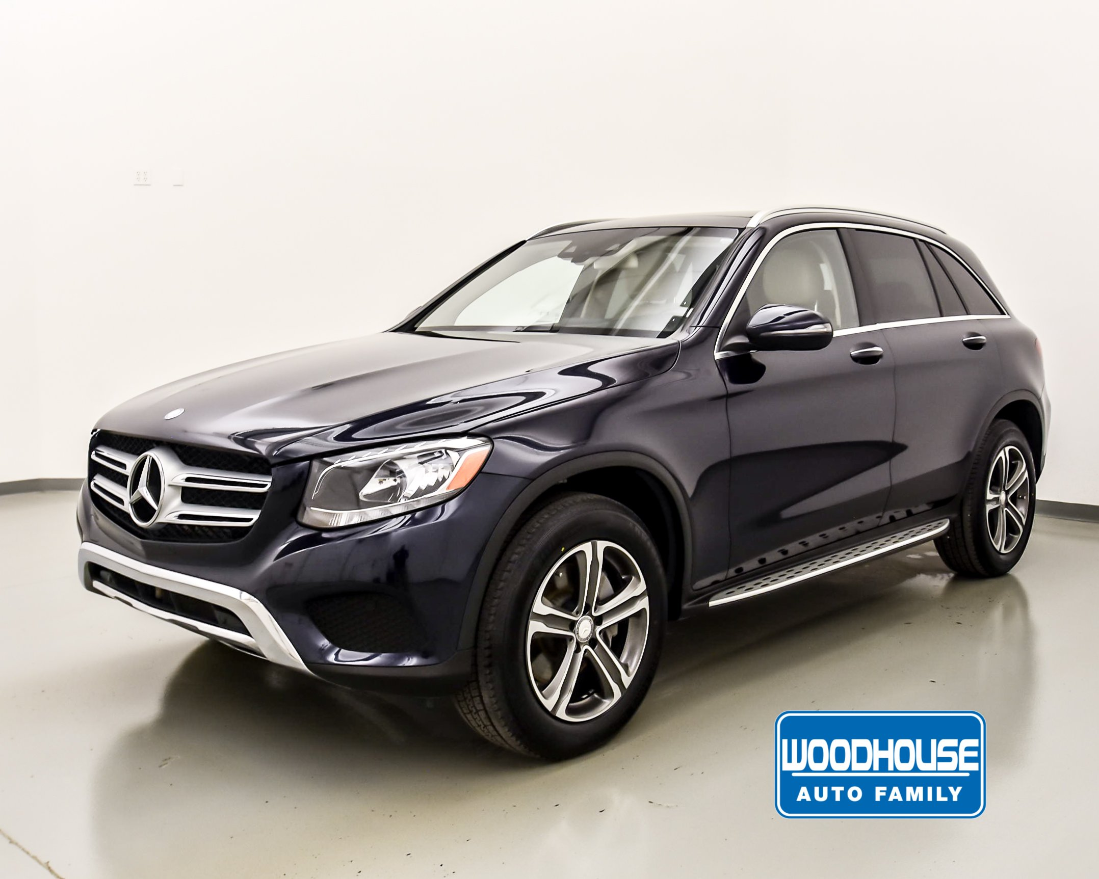 Benz Glc 300 >> Pre Owned 2016 Mercedes Benz Glc Glc 300 Awd 4matic